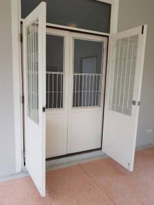 For RentHouseSukhumvit, Asoke, Thonglor : House for rent, prime location, Thonglor area (Sukhumvit 55), size 420 sqm., 4 bedrooms, near BTS Thonglor, Top Market, Max Value, Park Lane