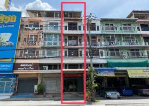 For RentShophouseBang kae, Phetkasem : Commercial building for rent On Phutthamonthon Sai 1 Road, near the train station, with parking in front