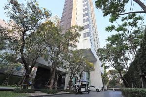 ขายคอนโดสุขุมวิท อโศก ทองหล่อ : Exclusive offer 1B size 44 (only 17x,xxx/sq m) Very high floor, Panoramic city view, Fully furnished, Nice interior Sell 7.5 MB only (BTS Thonglor)