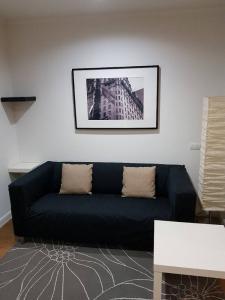 For RentCondoKhlongtoei, Kluaynamthai : Lumpini Place Rama4 Kluaynamthai for rent, 1 bed, best price, full furnished near BTS Ekkamai.