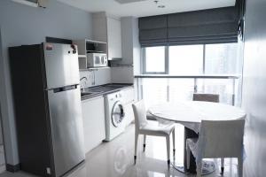 For RentCondoRatchadapisek, Huaikwang, Suttisan : Quick rent near Ratchada, next to MRT
