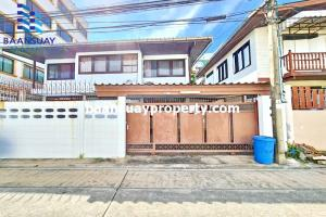 For RentHouseLadprao101, The Mall Bang Kapi : House for rent, 2 steps, Ladprao Road, near Big C Ladprao.
