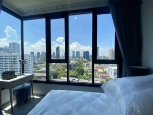 For RentCondoSukhumvit, Asoke, Thonglor : 📣 New condo, new room, beautiful decoration Modern and stylish, Condo XT Ekamai, 2 bedrooms, 2 bathrooms, 1 living room with balcony, new furniture, new luxury appliances.
