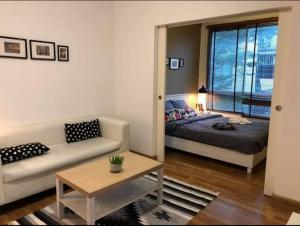 For RentCondoRatchadapisek, Huaikwang, Suttisan : For rent The Seed Ratchada Huai Khwang furniture ready to move in