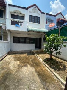 For SaleTownhouseBangbuathong, Sainoi : Urgent sale, 2-storey townhouse, Busakorn-Ratiya Village, Intersection 2