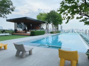 For RentCondoSiam Paragon ,Chulalongkorn,Samyan : For rent Triple Y Residence Triple Y Residence * next to MRT Sam Yan