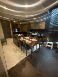 เช่าคอนโดสุขุมวิท อโศก ทองหล่อ : 🔥🔥The Esse 36 ราคาโครตดี !!!  For Rent  2 Bedroom 2 Bathroom 73.5 Sq.m 🔥🔥