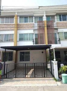 For RentTownhousePattanakan, Srinakarin : Townhome for rent with furniture - Town Plus Huamark, Krungthep Kreetha 7 - 3 floors, 3 bedrooms, newly renovated and ready to move in.