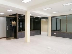 For RentOfficeSukhumvit, Asoke, Thonglor : Office for rent, Sukhumvit 24, behind The Davis Hotel, Khlong Toei District.