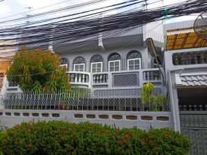 ขายทาวน์เฮ้าส์/ทาวน์โฮมปิ่นเกล้า จรัญสนิทวงศ์ : ขาย townhose ตีทะลุ2หลัง หมู่บ้านอิ่มอัมพร 1 จรัญ 13 แยก 9 (พาณิชยาการธนบุรี)