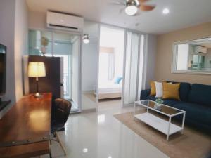 For RentCondoOnnut, Udomsuk : 🔥🔥Hot Deal!🔥🔥 Rent Regent Home Sukhumvit 81, size 28 sqm., 8th floor, 1 bedroom, 1 bathroom, pool view, BTS On Nut [Code:A243]