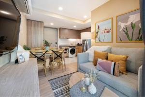 For RentCondoSukhumvit, Asoke, Thonglor : For rent TAKA HAUS Ekkamai 12, corner room, beautiful decoration, fully furnished, near BTS Ekkamai