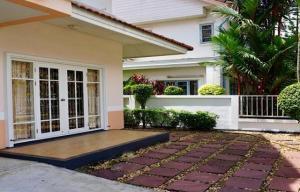 For RentHouseRamkhamhaeng,Min Buri, Romklao : Code C4158 for rent, 2 storey house, Parkway Chalet Village, Parkway Chalet, Ramkhamhaeng 190