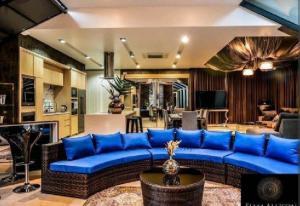 ขายบ้านสุขุมวิท อโศก ทองหล่อ : Rental/ Selling : Villa House In Thonglor with Private Pool , 5 Beds 5 baths ,163 sqw, 459 sqm ,Parking 4+4🔥🔥 Rental : 550,000 THB / Month🔥🔥 🔥🔥 Selling : 220,000,000 THB 🔥🔥