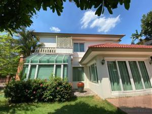 For RentHouseRama5, Ratchapruek, Bangkruai : 4 bedrooms, 4 bathrooms, 50,000 baht/month, luxury 2-storey detached house for rent in Ratchaphruek-Chaengwattana area. Laddarom Village Chaiyapruek-Chaengwattana, Pak Kret, Nonthaburi