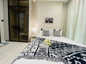 "For RentCondoRatchathewi,Phayathai : "" 🔥 Special price !! 🔥 The Room Phayathai (BTS Phayathai) LINE : @Rise999"""