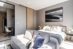For RentCondoWitthayu,Ploenchit  ,Langsuan : Urgent rent, leaked room, very good price, plus luxurious decoration, very beautiful, NOBLE Ploenchit condo