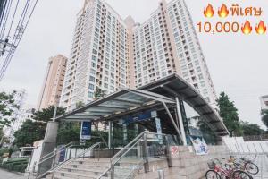 For RentCondoRatchadapisek, Huaikwang, Suttisan : 🔥Flash SALE 10,000/month🔥🚇 MRT Sutthisan, first come first served 🌈🌈 Life @ Ratchada-Sutthisan 🌈🌈