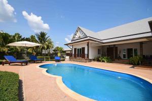 For SaleHouseKrabi : Attractive 7 Building Villa on large 2 Rai land area - Sai Thai, Krabi