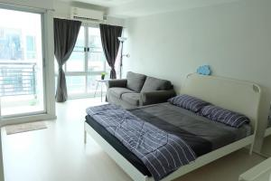 For SaleCondoOnnut, Udomsuk : M3578-Condo for sale The Lock 3 Sukhumvit 101/1 near BTS Udom Suk and Punnawithi. There is a washing machine, fully furnished, ready to move in.
