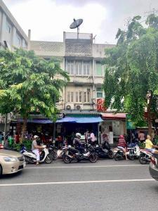 เช่าตึกแถว อาคารพาณิชย์สีลม ศาลาแดง บางรัก : อาคารพาณิชย์ติดถนนสีลม ใจกลางเมือง ย่านเศรษฐกิจ