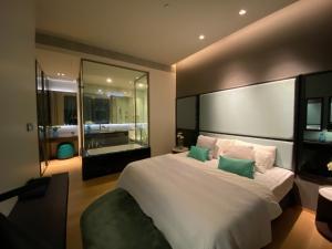 For RentCondoSilom, Saladaeng, Bangrak : Condo Saladaeng one for rent fully furished 1 bedroom display room  Floor 12A price 39,000 Bath/month