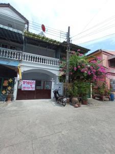 For SaleTownhouseRama 2, Bang Khun Thian : Townhouse for sale, 2 floors, Chaikul, Rama 2, Soi 44, Bang Khun Thian, near Bang Mot Market, Central, Bang Pakok Hospital, Suksawat Expressway, Chom Thong.