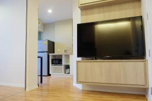 For RentCondoSamrong, Samut Prakan : Condo for rent at Lumpini Mix Thepharak-Srinakarin