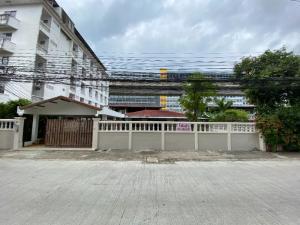 เช่าโฮมออฟฟิศพระราม 9 เพชรบุรีตัดใหม่ : ให้เช่า Home Office ถนนพระรามเก้า ซอย 46 เลขที่ 13 ตรงข้าม ศูนย์การค้า The nine เนื้อที่ 162 ต.ร.ว. พื้นที่ใช้สอย 290 ตรม.