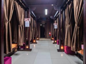 For SaleLandSathorn, Narathiwat : Selling a business for sale, a premium massage shop, Prime location, 2 branches, resell the price at a loss. Massage spa shop, great location, can continue the business.
