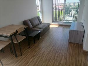 For RentCondoBangbuathong, Sainoi : Condo for rent near MRT Westet