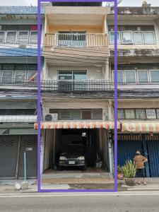 For RentShophouseChengwatana, Muangthong : Book a commercial building for a company, office or shop with a room for 9-12 employees, long-term rental, Soi Tansamrit, near the entrance of Soi 200 meters