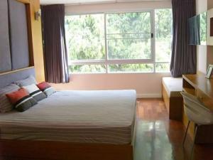 For RentCondoSukhumvit, Asoke, Thonglor : [FOR RENT]  49 Plus Condo, Sukhumvit 49 (Near BTS Thonglor & BTS Prompong)    3 Beds / 2 Baths, 104 Sq. m.,