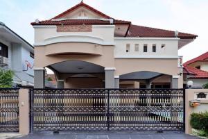 For RentHouseSamrong, Samut Prakan : House for rent 90 square wa. Thepharak-Srinakarin location for rent