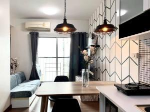 For RentCondoRatchadapisek, Huaikwang, Suttisan : Condo for rent, very good location, A Space Hideaway Asoke-Ratchada, Building XYZ, beautiful decoration