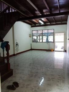 For RentShophouseRatchaburi : 2 storey house for rent, with water and electricity meter, with house number in every room, Mueang Ratchaburi District