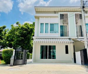 For RentTownhouseNawamin, Ramindra : Townhouse for rent 2 floors Pleno Ring Road Ramintra. AOL-F81-2106004045