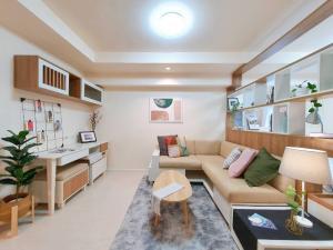 For SaleCondoOnnut, Udomsuk : TC-9083 Urgent sale, The Log3, beautiful room, high floor, village view, fully furnished.