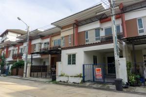 For SaleTownhouseBang kae, Phetkasem : Townhome for sale, Chuan Chuen Village, Petchkasem 81, area of 20 square meters, 2 floors, 3 bedrooms, 2 bathrooms, add more rooms never been in