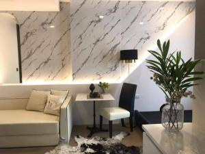 For SaleCondoSiam Paragon ,Chulalongkorn,Samyan : Quick sale, Hot stock, cheapest price, Ashton Chula, studio room, fully furnished, ready to move in near Chulalongkorn, cheapest price