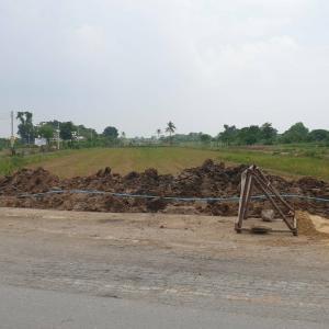 For SaleLandRangsit, Patumtani : Beautiful land, good location, for sale, next to the main road, Shinawatra University.