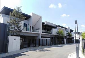For RentTownhouseBangna, Lasalle, Bearing : For rent • Vive Townhome Bangna km.7 • Luxury townhome near Mega Bangna