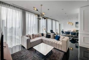 เช่าคอนโดสาทร นราธิวาส : คอนโดให้เช่า The Ritz-Carlton Residences Bangkok  ประเภท 2 ห้องนอน 2.5 ห้องน้ำ ขนาด 151 ตร.ม.