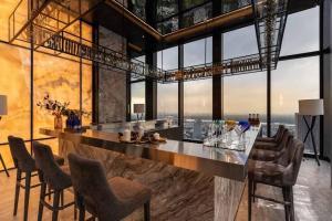 ขายคอนโดสุขุมวิท อโศก ทองหล่อ : Hot Deal : Super Luxury Penthouse 500+ sqm.