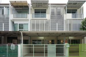 For RentTownhouseLadprao101, The Mall Bang Kapi : RTJ743 Townhome for rent, a new house, Krungthep Kreetha 7, area 32.6 square meters, usable area 132 square meters, 3 bedrooms, 3 bathrooms.