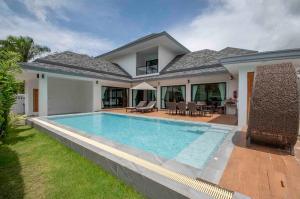 For SaleHouseKrabi : New, Four-bedroom Ao Nang Villa with 9-Meter Salt Pool - Ao Nang, Krabi
