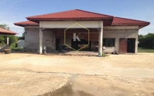 For RentWarehouseMahachai Samut Sakhon : Warehouse for rent with land, 2 rai 20 sq.wa., workers rest, water and electricity system available, Krathum Baen District, Samut Sakhon