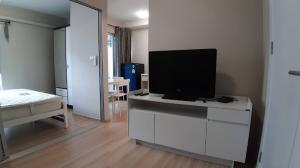 For RentCondoChengwatana, Muangthong : 6500.-/month for rent Plum Condo Chaengwattana Station Phase 2 furniture + electrical appliances ready