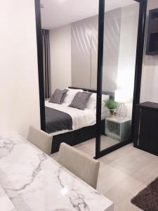 เช่าคอนโดพระราม 9 เพชรบุรีตัดใหม่ : 📌[ให้เช่าคอนโด]  Life Asoke ห้องใหม่ ใหญ่ แต่งสวย เฟอร์ เครื่องใช้ครบ วิวตึกใบหยก-สวนมักกะสัน ติด MRT เพชรบุรีกับ แอร์พอร์ตลิงค์