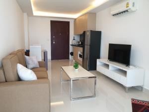 For RentCondoPattaya, Bangsaen, Chonburi : Condo for rent Laguna beach resort 3 - The Maldives Pattaya 1 Bedroom 41.5 SQM 9,000 THB/month